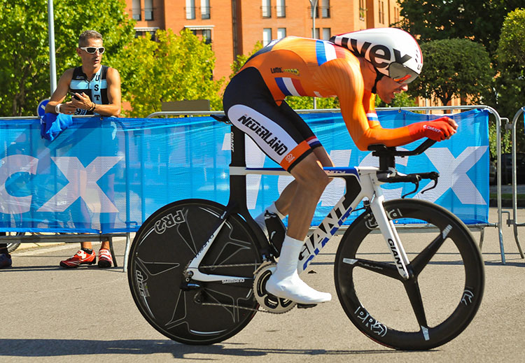 Tom Dumoulin has had a very strong September, with podium performances in Québec and in the World Championship ITT. His soloing ability makes him a threat in the Road Race.